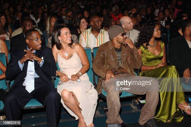 Martin Lawrence recipient of the 2005 BET Comedy Icon Award with his wife Shemar Moore and Kimberly Elise
