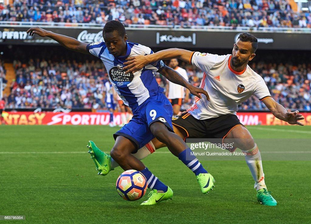 Valencia CF v Deportivo de La Coruna - La Liga