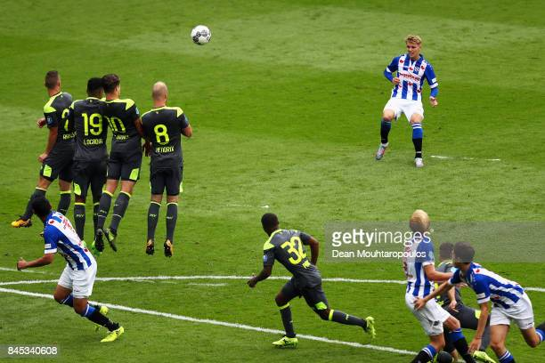 Martin Odegaard of Heerenveen takes a free kick during the Dutch Eredivisie match between SC Heerenveen and PSV Eindhoven held at Abe Lenstra Stadium...