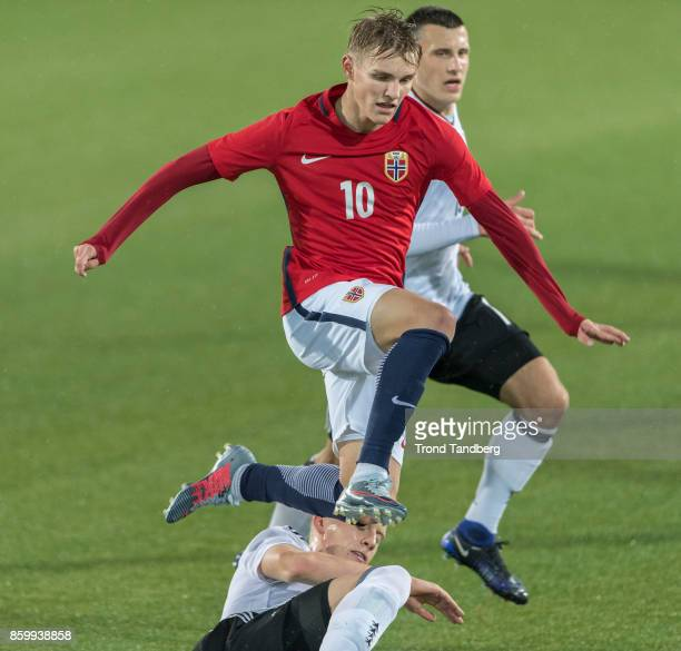 Martin Odegaard of Norway Maximillian Eggestein Timo Baumgarti of Germany during the U21 FIFA 2018 World Cup Qualifier between Norway and Germany at...