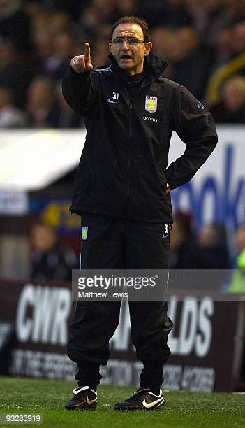 Martin O'Neill manager of Aston Villa gives out instructions during the Barclays Premier League match between Burnley and Aston Villa at Turf Moor on...