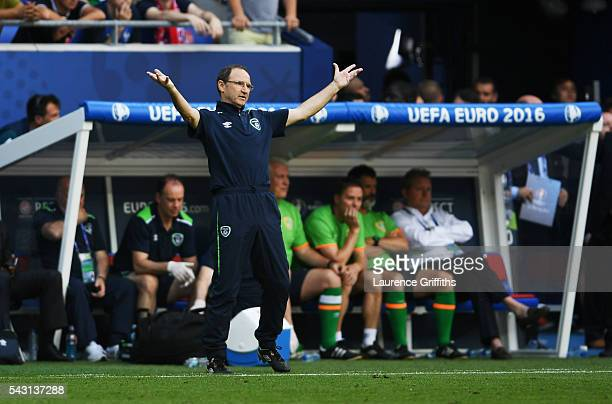 Martin O'Neill manager of Republic of Ireland reacts during the UEFA EURO 2016 round of 16 match between France and Republic of Ireland at Stade des...