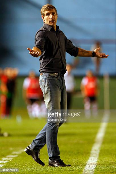 Martin Palermo coach of Arsenal gives directions to his players during a match between Arsenal FC and River Plate as part of fifth round of Torneo...