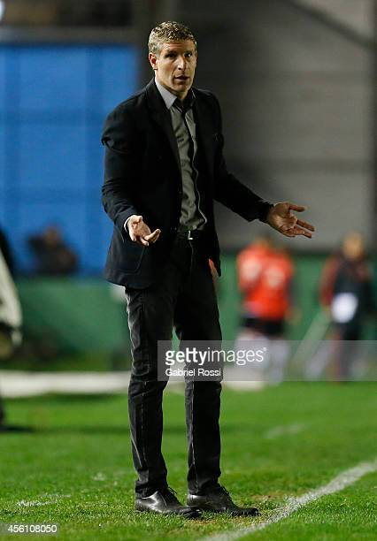 Martin Palermo coach of Arsenal gives instructions to his players during a match between Arsenal FC and River Plate as part of seventh round of...