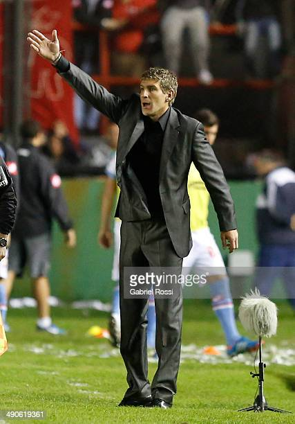 Martin Palermo coach of Arsenal gives instructions to his players during a quarter final second leg match between Arsenal FC and Nacional as part of...
