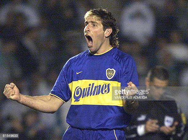 Martin Palermo of Argentine soccer team Boca Juniors celebrates the team's victory over Brazil's Palmeiras 21 June 2000 in Sao Paulo Brazil Martin...