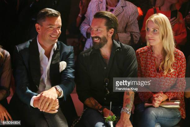 Martin Pos Alec Voelkel and his wife Johanna Voelkelduring the Cybex Fashion Cocktail on September 5 2017 in Berlin Germany