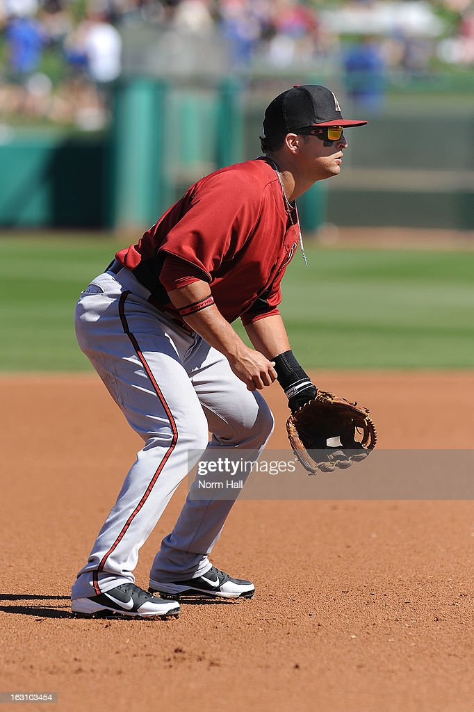 <a gi-track='captionPersonalityLinkClicked' href=/galleries/search?phrase=Martin+Prado&family=editorial&specificpeople=620159 ng-click='$event.stopPropagation()'>Martin Prado</a> #14 of the Arizona Diamondbacks gets ready to make a play against the Chicago Cubs at HoHoKam Park on March 1, 2013 in Mesa, Arizona.