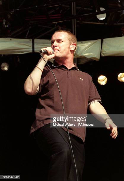 Martin Rossiter lead singer of the pop band Gene performing on stage at the 1999 Reading music Festival