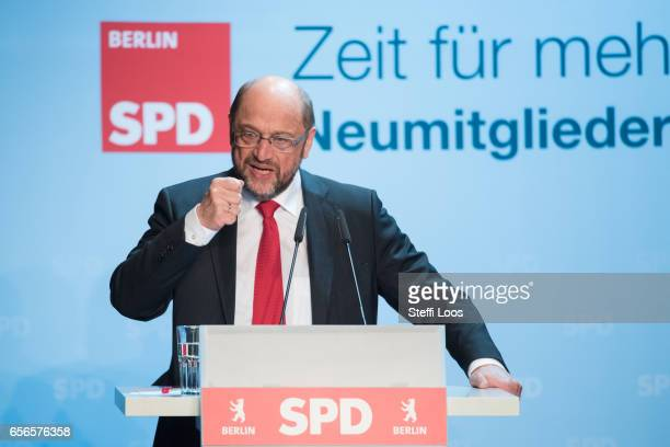 Martin Schulz chancellor candidate of the German Social Democrats holds a speech during a welcome meeting for new SPD members in Berlin on March 22...