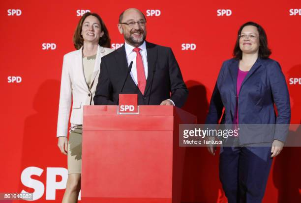 Martin Schulz head of the German Social Democrats arrives with Katarina Barley and Chief of the SPD Bundestag Fraction Andrea Nahles before he speaks...