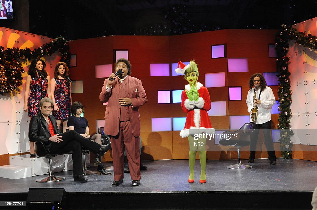 LIVE -- 'Martin Short' Episode 1630 -- Pictured: (l-r) Bill Hader, Cecily Strong, Vanessa Bayer, Carrie Brownstein, <a gi-track='captionPersonalityLinkClicked' href=/galleries/search?phrase=Kenan+Thompson&family=editorial&specificpeople=215158 ng-click='$event.stopPropagation()'>Kenan Thompson</a>, Nasim Pedrad, Fred Armisen --