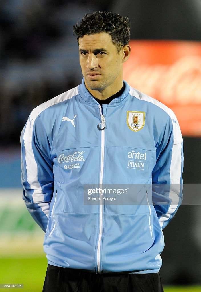 <a gi-track='captionPersonalityLinkClicked' href=/galleries/search?phrase=Martin+Silva&family=editorial&specificpeople=4354248 ng-click='$event.stopPropagation()'>Martin Silva</a> of Uruguay looks on prior an international friendly match between Uruguay and Trinidad & Tobago at Centenario Stadium on May 27, 2016 in Montevideo, Uruguay.