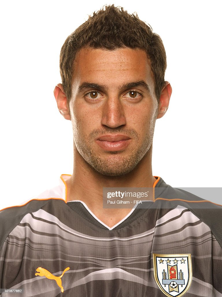 <a gi-track='captionPersonalityLinkClicked' href=/galleries/search?phrase=Martin+Silva&family=editorial&specificpeople=4354248 ng-click='$event.stopPropagation()'>Martin Silva</a> of Uruguay poses during the official FIFA World Cup 2010 portrait session on June 7, 2010 in Kimberley, South Africa.