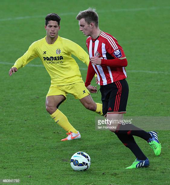Martin Smith of Sunderland tracked by Manuel Viana of Villarreal during the Premier League International Cup match between Sunderland U21 and...