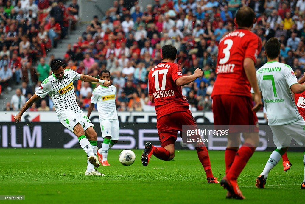 Martin Stranzl of Moenchengladbach scores his teams first goal during the Bundesliga match between Bayer Leverkusen and Borussia Moenchengladbach at...