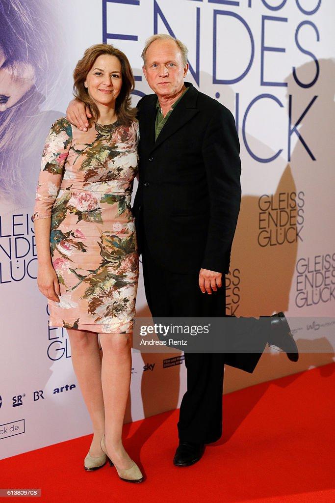 'Gleissendes Glueck' Essen Premiere