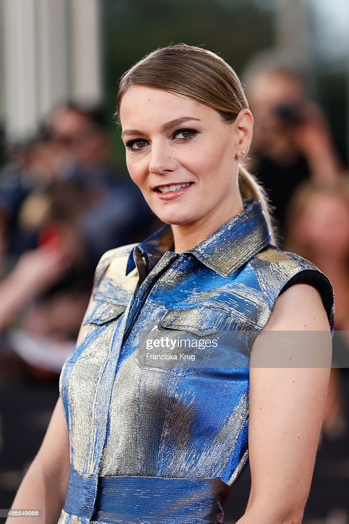 <a gi-track='captionPersonalityLinkClicked' href=/galleries/search?phrase=Martina+Hill&family=editorial&specificpeople=6056466 ng-click='$event.stopPropagation()'>Martina Hill</a> attends the red carpet of the Deutscher Fernsehpreis 2014 on October 02, 2014 in Cologne, Germany.