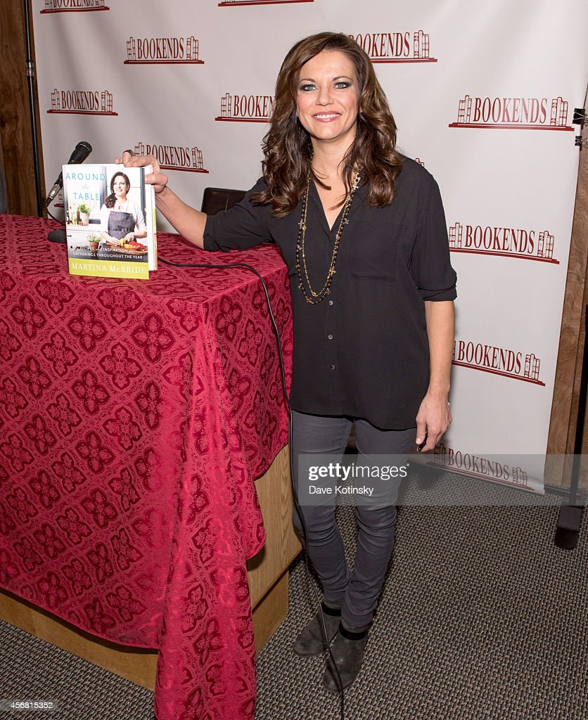 Martina McBride signs copies of her cookbook 'Around The Table' at Bookends Bookstore on October 7 2014 in Ridgewood New Jersey