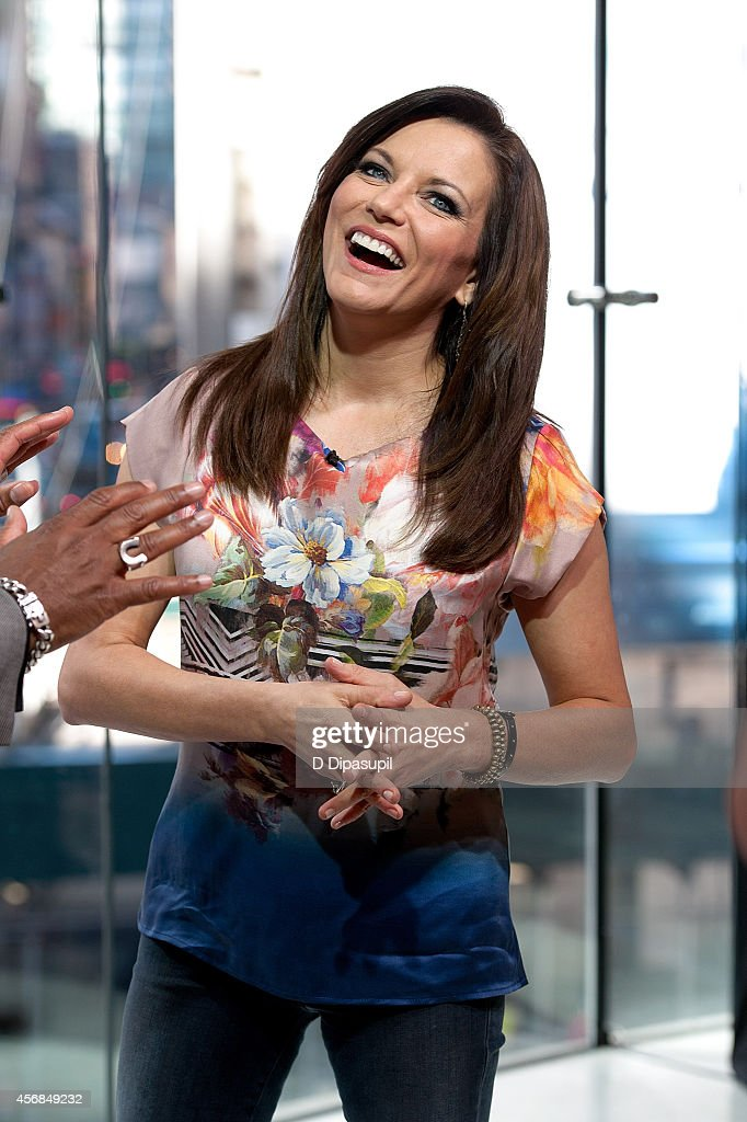Martina McBride visits 'Extra' at their New York studios at HM in Times Square on October 8 2014 in New York City
