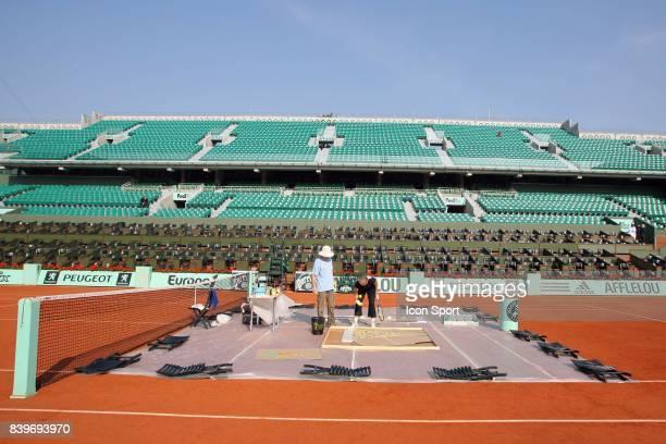 Martina NAVRATILOVA Peinture avec des raquettes et des balles de Tennis Court Philippe Chatrier Roland Garros 2007