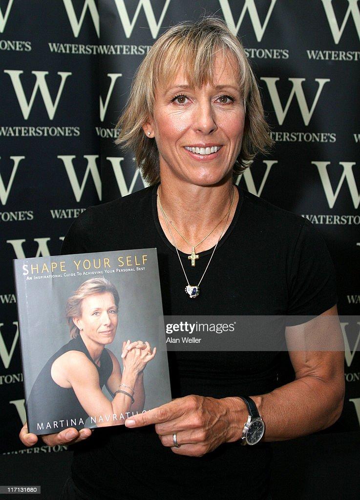 "Martina Navratilova Signs Copies of her New Book ""Shape Your Self"" at"