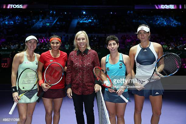 Martina Navratilova poses with Martina Hingis of Switzerland Sania Mirza of India Carla Suarez Navarro of Spain and Garbine Muguruza of Spain after...