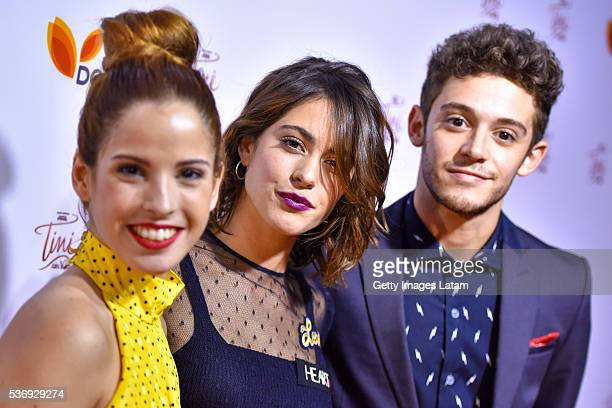 Martina Stoessel poses with other cast members duringTINI El Gran Cambio de Violetta The Avant Premiere on May 31 2016 in Buenos Aires Argentina