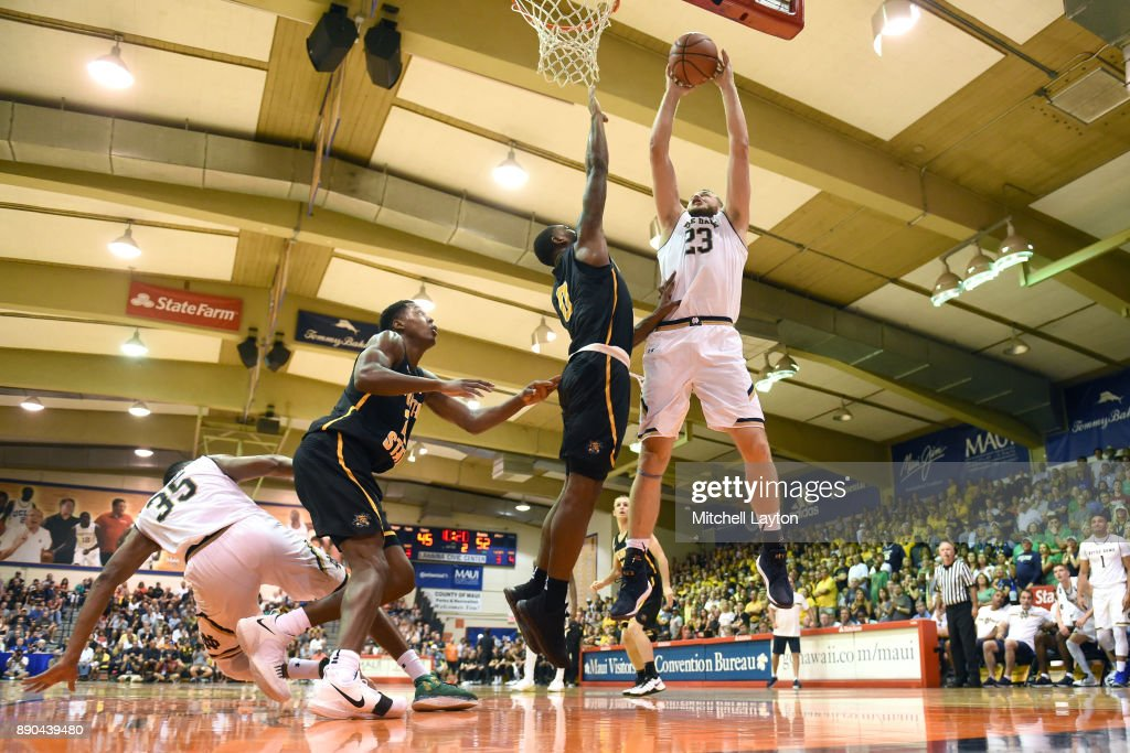 Martinas Geben #23 of the Notre Dame Fighting Irish takes a shot Rashard Kelly #0 of the Wichita State Shockers during a the championship of the Maui Invitational college basketball game at the Lahaina Civic Center on November 22, 2017 in Lahaina, Hawaii. The Fighting Irish won 67-66.