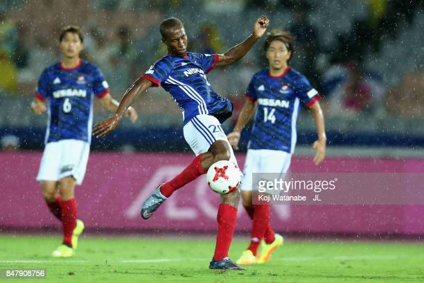 Martinus of Yokohama FMarinos shoots at goal during the JLeague J1 match between Yokohama FMarinos and Kashiwa Reysol at Nissan Stadium on September...
