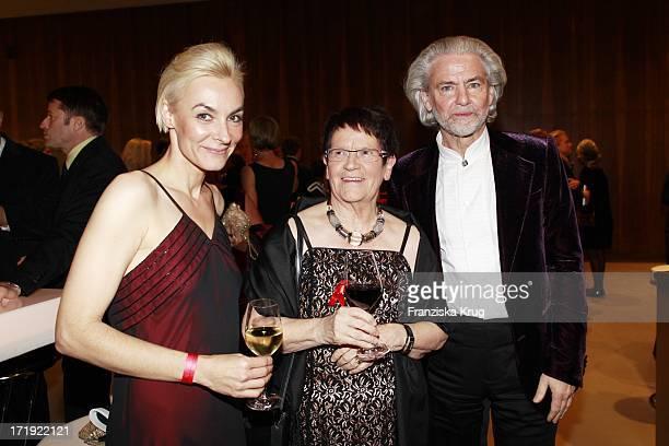 Marusha Prof Dr Rita Süssmuth Hermann Bühlbecker Bei Der 18 Festliche Operngala Zu Gunsten Der AidsStiftung In Berlin