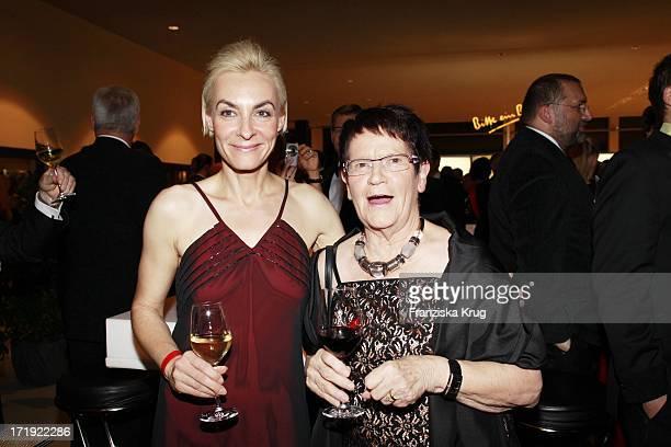 Marusha Und ProfDr Rita Süssmuth Bei Der 18 Festliche Operngala Zu Gunsten Der AidsStiftung In Berlin