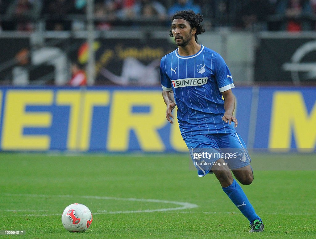 Marvin Compper of Hoffenheim runs with the ball during the Bundesliga march between Fortuna Duesseldorf and TSG 1899 Hoffenheim at Esprit-Arena on November 10, 2012 in Duesseldorf, Germany.