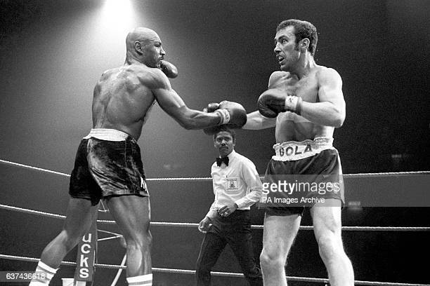 Marvin Hagler surprises Alan Minter with his power