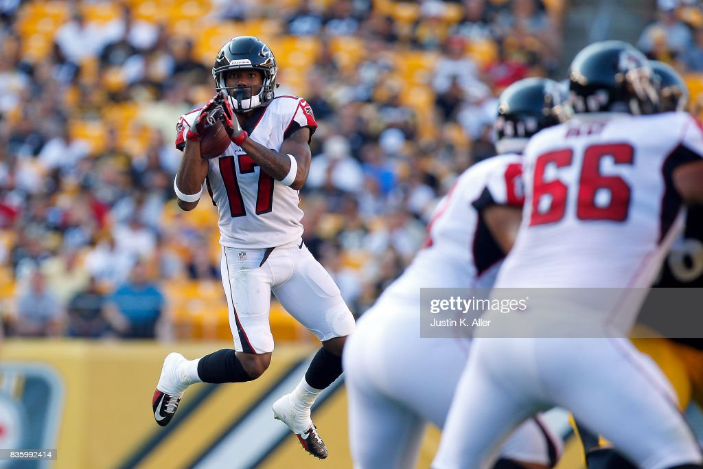 Marvin Hall #17 of the Atlanta Falcons pulls in a pass against the Pittsburgh Steelers during a preseason game at Heinz Field on August 20, 2017 in Pittsburgh, Pennsylvania.