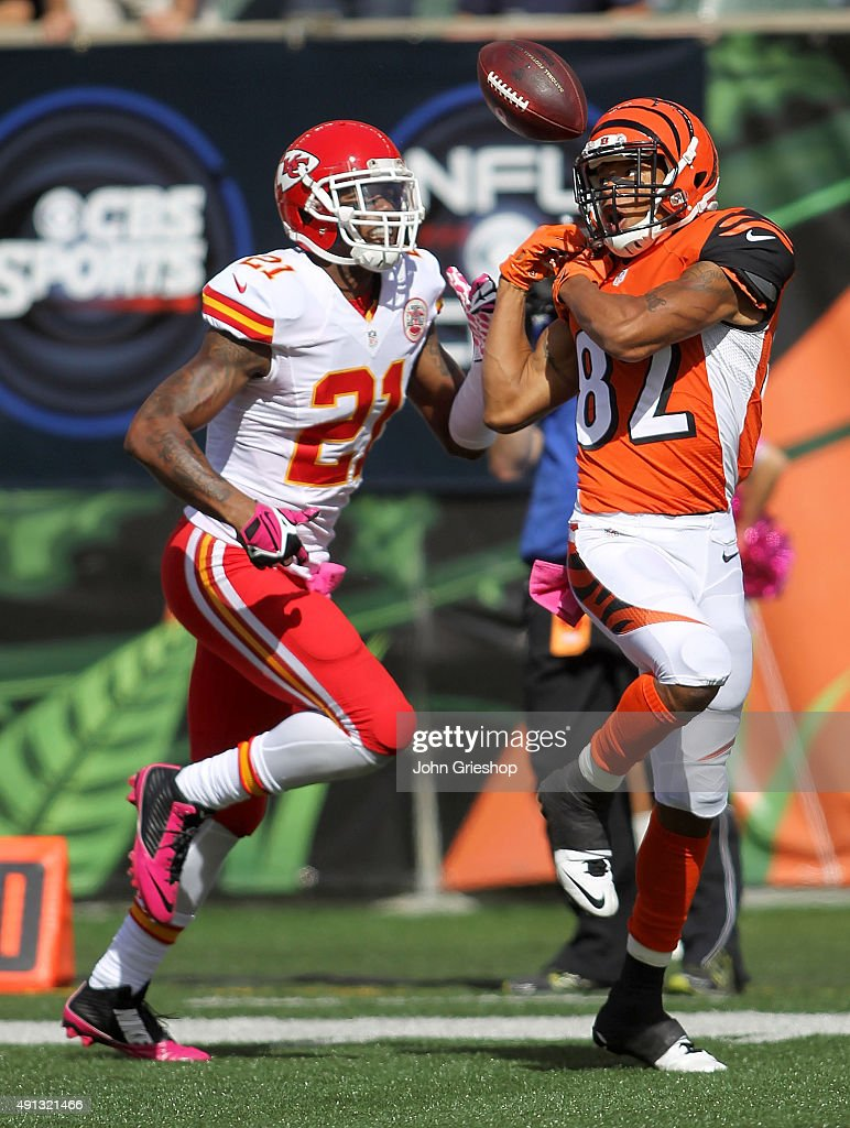 Marvin Jones of the Cincinnati Bengals is unable to make the catch while being defended by Sean Smith of the Kansas City Chiefs during the third...
