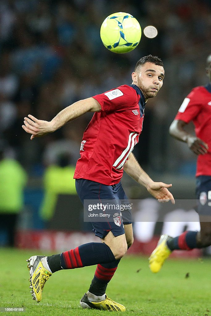 <a gi-track='captionPersonalityLinkClicked' href=/galleries/search?phrase=Marvin+Martin&family=editorial&specificpeople=5534442 ng-click='$event.stopPropagation()'>Marvin Martin</a> of Lille in action during the french Ligue 1 match between Lille OSC, LOSC, and Olympique de Marseille, OM, at the Grand Stade Lille Metropole on April 14, 2013 in Lille, France.