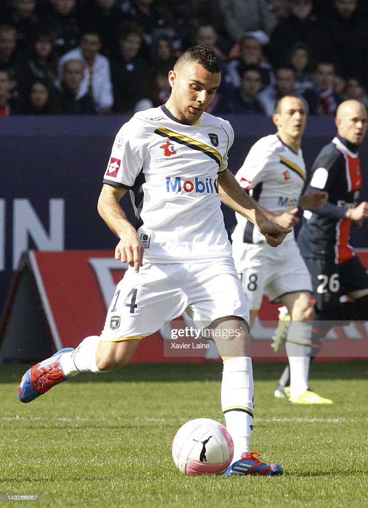 <a gi-track='captionPersonalityLinkClicked' href=/galleries/search?phrase=Marvin+Martin&family=editorial&specificpeople=5534442 ng-click='$event.stopPropagation()'>Marvin Martin</a> of Sochaux Montbeliard in action during the French League 1 match between Paris Saint-Germain FC and Sochaux Montbeliard FC at Parc Des Princes on April 22, 2012 in Paris, France.