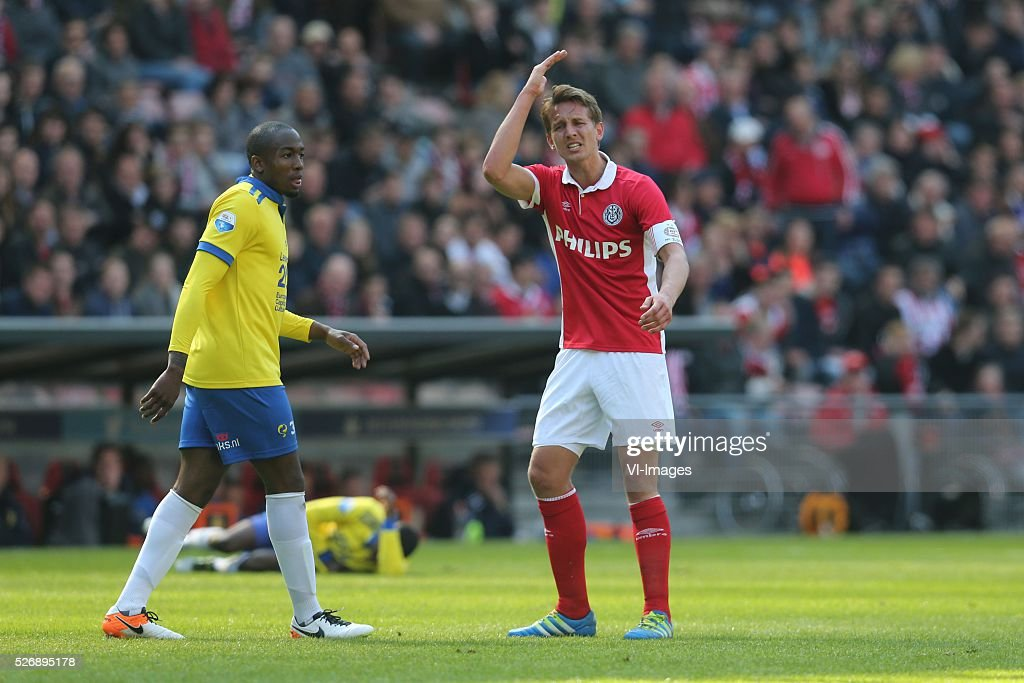Marvin Peersman of SC Cambuur, Luuk de Jong of PSV during the Dutch Eredivisie match between PSV Eindhoven and SC Cambuur Leeuwarden at the Phillips stadium on May 01, 2016 in Eindhoven, The Netherlands