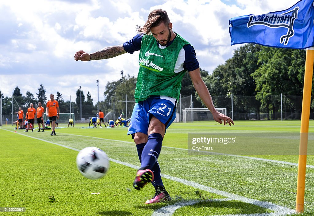 <a gi-track='captionPersonalityLinkClicked' href=/galleries/search?phrase=Marvin+Plattenhardt&family=editorial&specificpeople=5616506 ng-click='$event.stopPropagation()'>Marvin Plattenhardt</a> of Hertha BSC during the training on june 29, 2016 in Berlin, Germany.