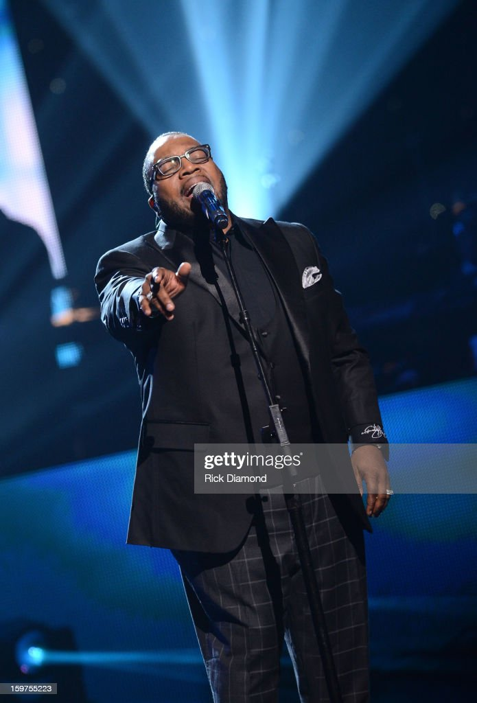 <a gi-track='captionPersonalityLinkClicked' href=/galleries/search?phrase=Marvin+Sapp&family=editorial&specificpeople=4063424 ng-click='$event.stopPropagation()'>Marvin Sapp</a> performs on the 28th Annual Stellar Awards Show at Grand Ole Opry House on January 19, 2013 in Nashville, Tennessee.