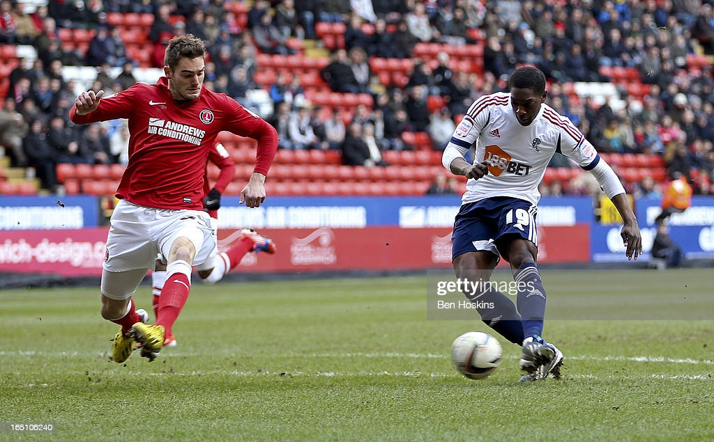 Marvin Sordell of Bolton scores the opening goal of the game during the npower Championship match between Charlton Athletic and Bolton Wanderers at the Valley on March 30, 2013 in London, England.