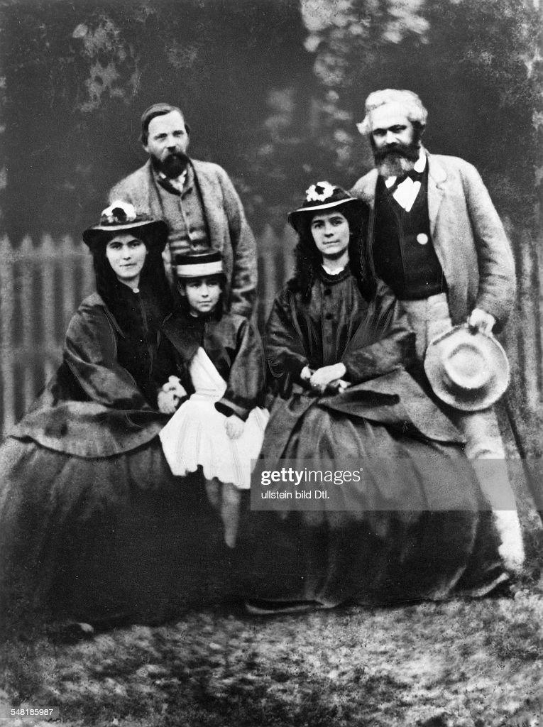 Marx, Karl - Politician, Philosopher, Revolutionalist, D *05.05.1818-14.03.1883+ - group picture of the family, with his daughters Jenny, Eleanor, Laura and <a gi-track='captionPersonalityLinkClicked' href=/galleries/search?phrase=Friedrich+Engels&family=editorial&specificpeople=142606 ng-click='$event.stopPropagation()'>Friedrich Engels</a> (l.) - reproduction of a daguerreotype Vintage property of ullstein bild