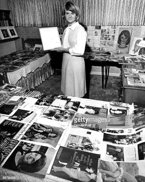 Mary Barbara Watkins Poses With Her Collection Of Jfk Mementos Sixteenyearold collector holds a personal letter from the late John F Kennedy Credit...