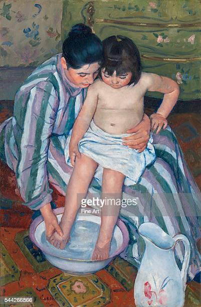 Mary Cassatt The Child's Bath oil on canvas 1003 x 661 cm Art Institute of Chicago