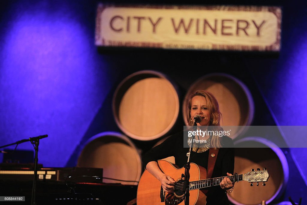 Melissa Etheridge and Mary Chapin Carpenter In Concert - New York, New York