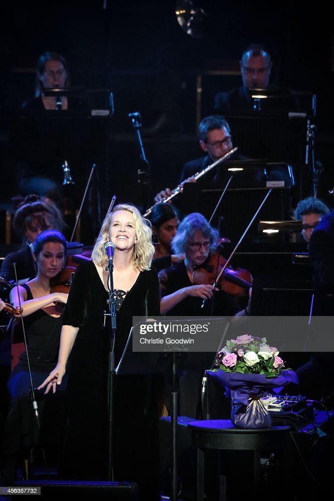 Mary Chapin Carpenter Performs At Royal Albert Hall In London