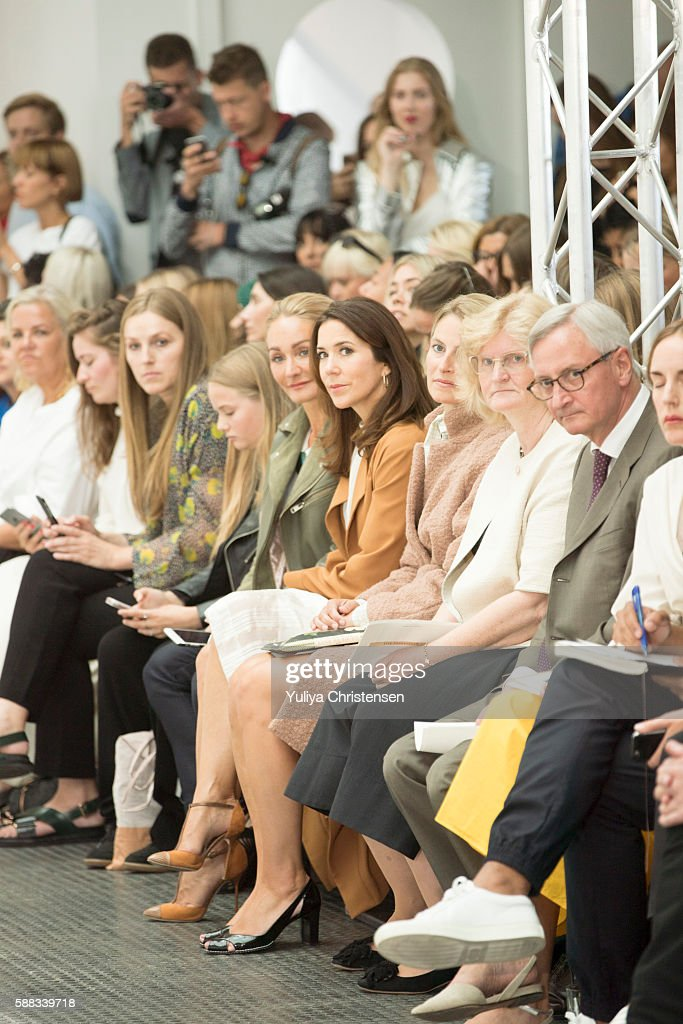 mary-crown-princess-of-denmark-attends-the-fonnesbech-show-the-week-picture-id588339718