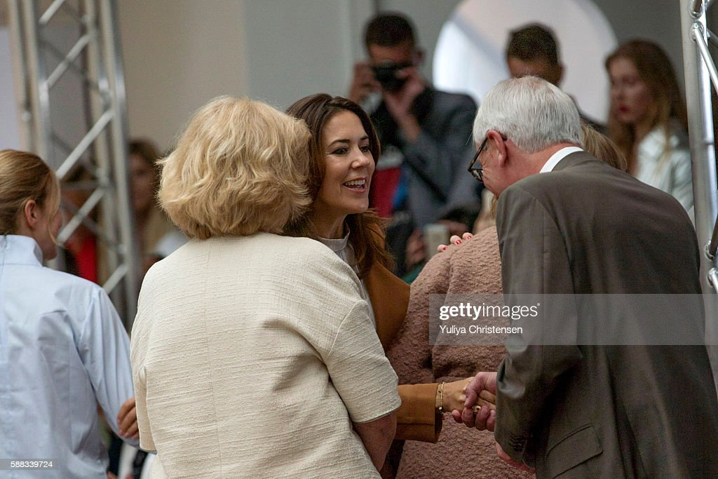 mary-crown-princess-of-denmark-attends-the-fonnesbech-show-the-week-picture-id588339724