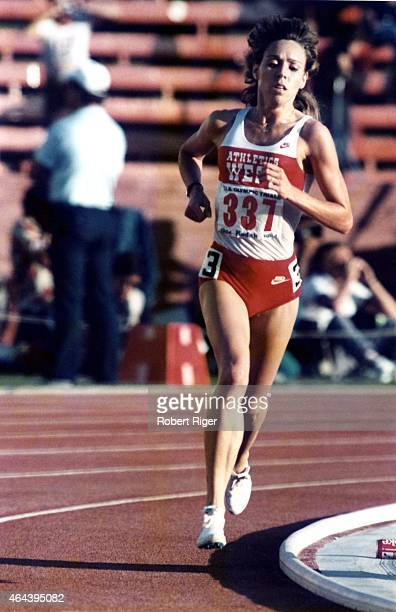 Mary Decker of the United States runs during the Women's 3000M Finals in the 1984 US Olympic Trials at the Los Angeles Memorial Coliseum on June 16...